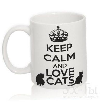 Чашка с надписью 'Loves cats'